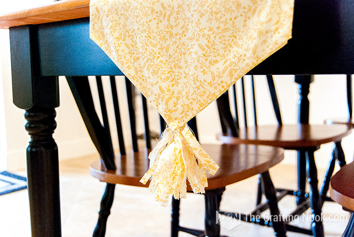 No-Sew Table Runner Fun tutorial