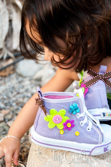 Cute and easy Buttons & Bows Embellished Shoes.