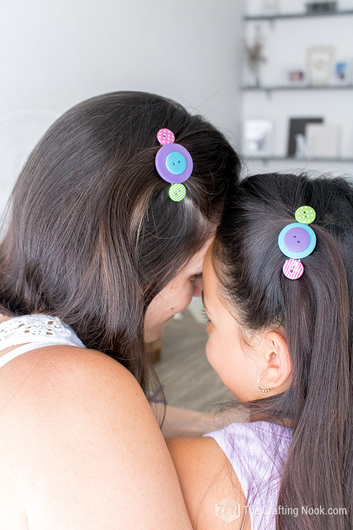 DIY Button Hair Clips mom girl