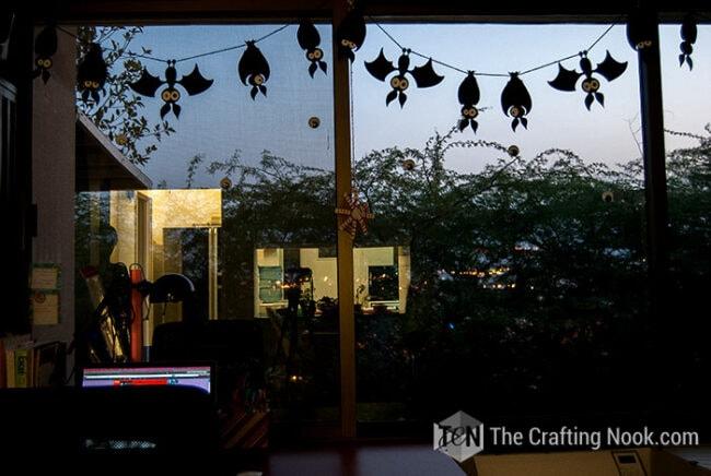 Spooky-Halloween-Bats-Garland-DIY