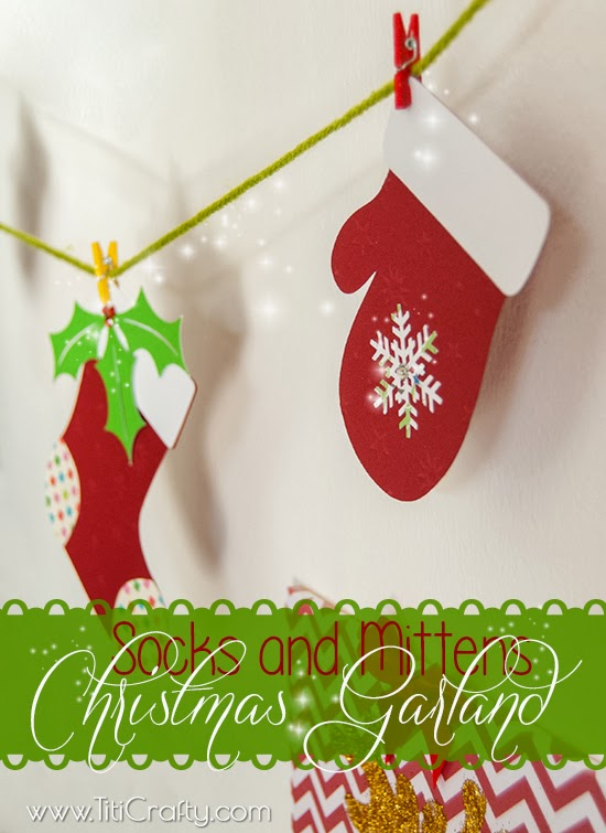 DIY Socks and Mittens Christmas Garland tutorial #freecutfile #christmasornaments