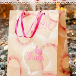 DIY Easy Valentine's Day Craft Paper Gift Bags