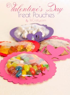 http://titicrafty.com/2014/01/valentines-day-treat-pouches-with-free-cutting-files/