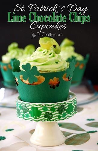 St. Patrick's Day Lime White Chocolate Chips Cupcakes + Freebie #freecutfile #Limecupcakes #cupcakerecipe #StPatricksDayRecipe
