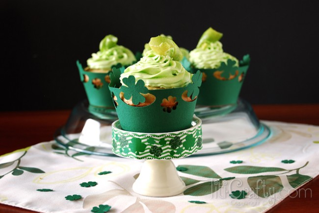 St-Patricks-Day-Lime-Chocolate-Chips-Yummy-Cupcakes-Recipe