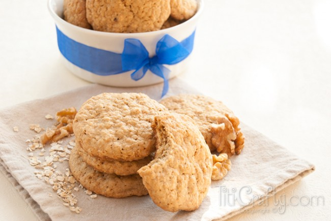 Crunchy-Walnuts-Oatmeal-Cookies-Recipe