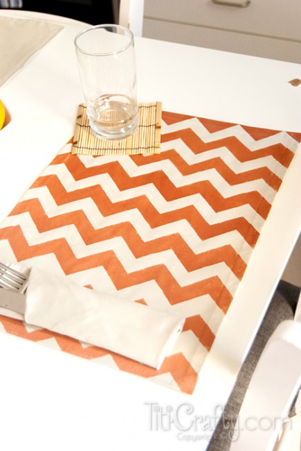 DIY Ombre Chevron Placemats, so easy with step by step instructions!