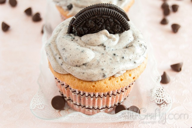 Oreo-Cupcakes-Cookies-Cream-Frosting-Recipe