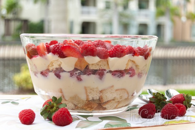 Yummy-Red-Berries-Trifle-Recipe