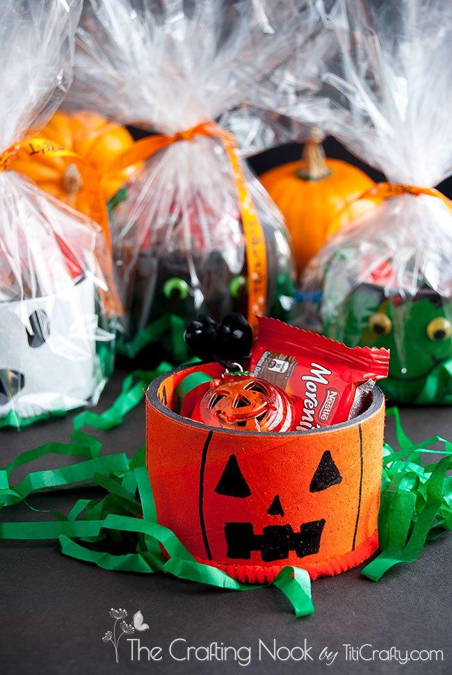 Spooky Upcycled Tape Rolls Halloween Gifts #hallween #hallweencrafts #hallweentreat