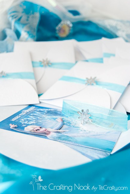 DIY-3d-Frozen-Themed-Party-Invitations-gorgeous