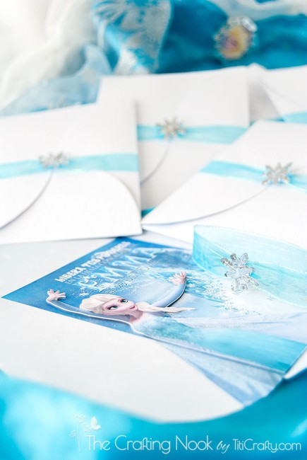 DIY-3d-Frozen-Themed-Party-Invitations-layered