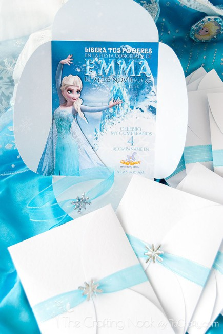 DIY-3d-Frozen-Themed-Party-Invitations-ribbon
