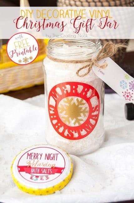 Awesome DIY Decorative Vinyl Christmas Gift Jar #christmasgifts #Christmaspresents #silhouettecameo #diychristmas