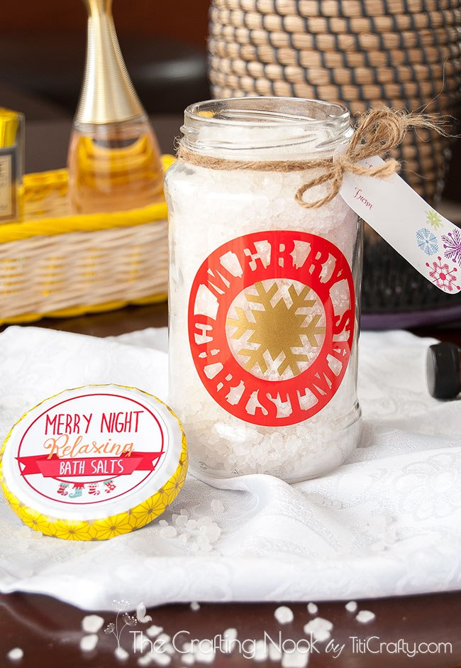DIY Decorative Vinyl Christmas Gift Jar