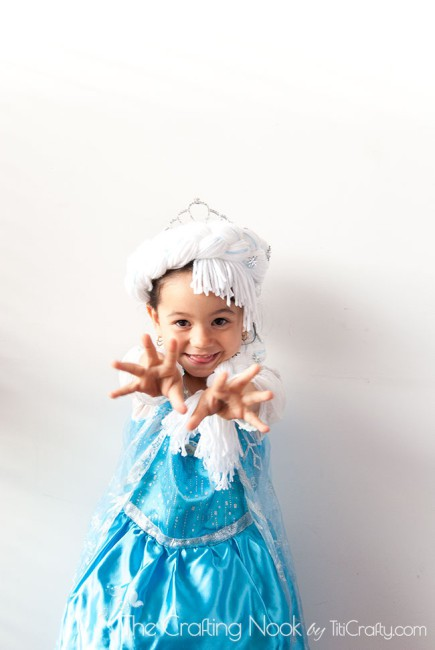 Frozen-DIY-Elsa's-Braid-freeze