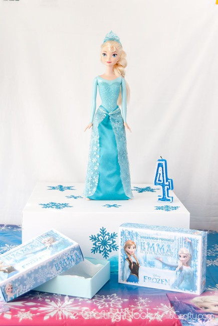 Frozen-Themed-Cake-Box-and-Individual-Cake-Boxes-easy