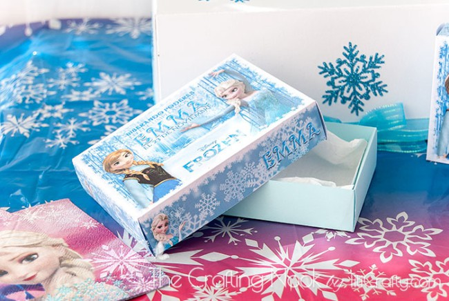 Frozen-Themed-Cake-Box-and-Individual-Cake-Boxes-fun
