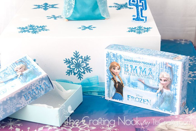 Frozen-Themed-Cake-Box-and-Individual-Cake-Boxes-no-mess
