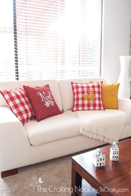 DIY-Red-and-White-Christmas-Pillows-Easy