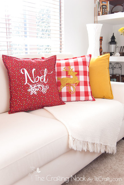DIY-Red-and-White-Christmas-Pillows-reindeer
