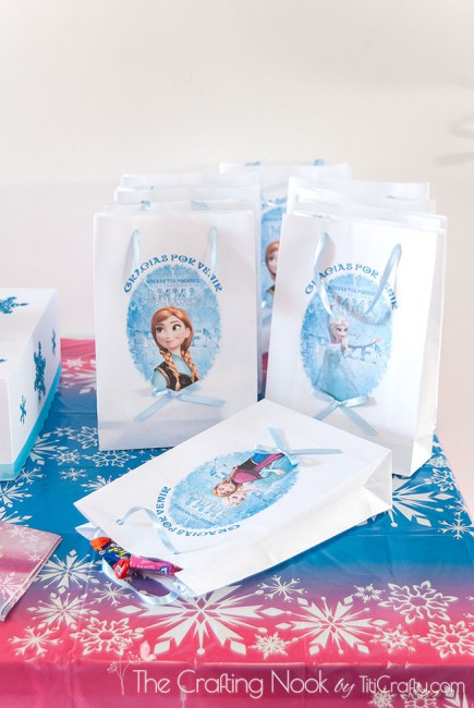 Frozen-Themed-Birthday-Party-favor-bags