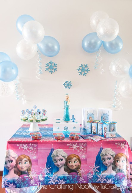 Frozen-Themed-Birthday-Party-whole-decor