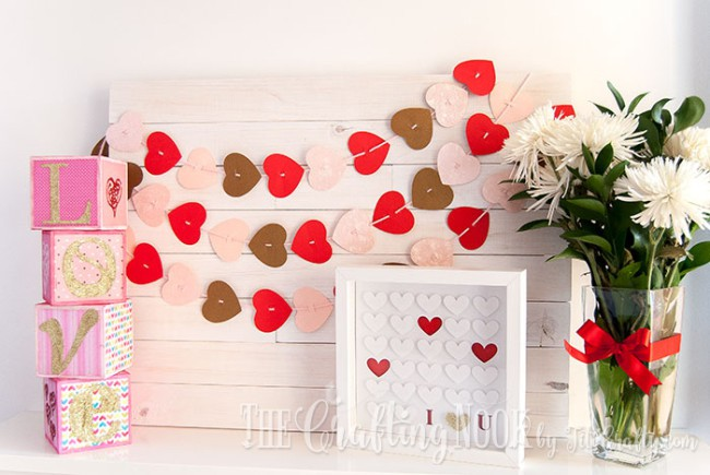 Sparkling-Love-Valentines-Day-Letter-Blocks-Cute-Mantel