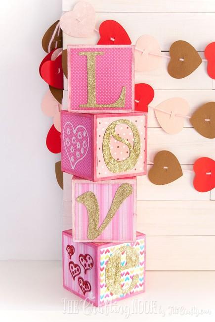Sparkling-Love-Valentines-Day-Letter-Blocks-Gold