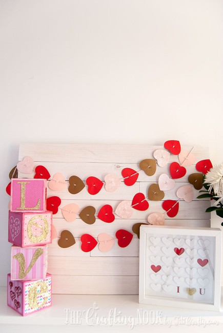 Valentines-Day-Easy-Paper-Heart-Garland-Mantel