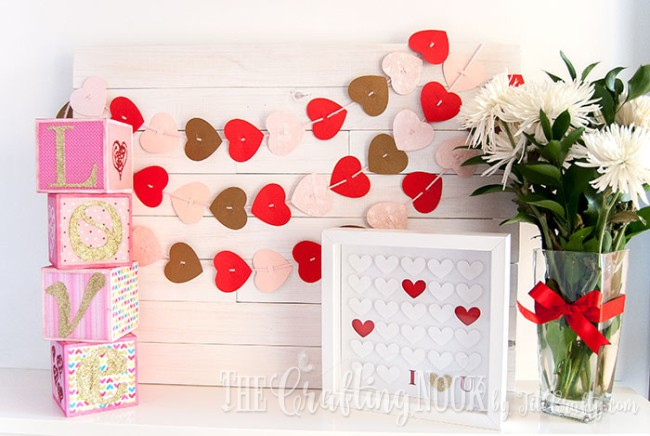 Valentines-Day-Easy-Paper-Heart-Garland-cute-Mantel