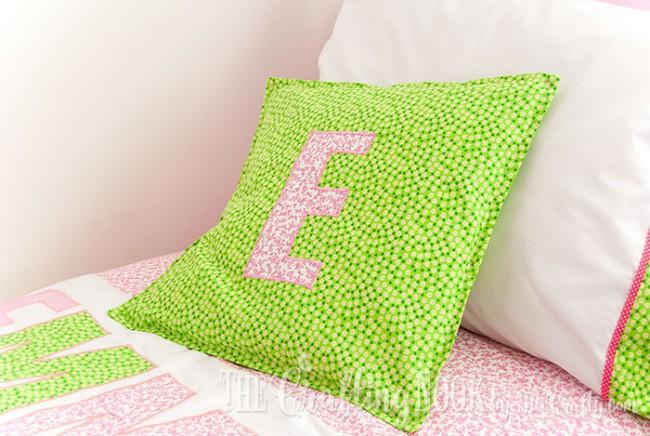 Bedding-Set-for-Girls-Monogrammed