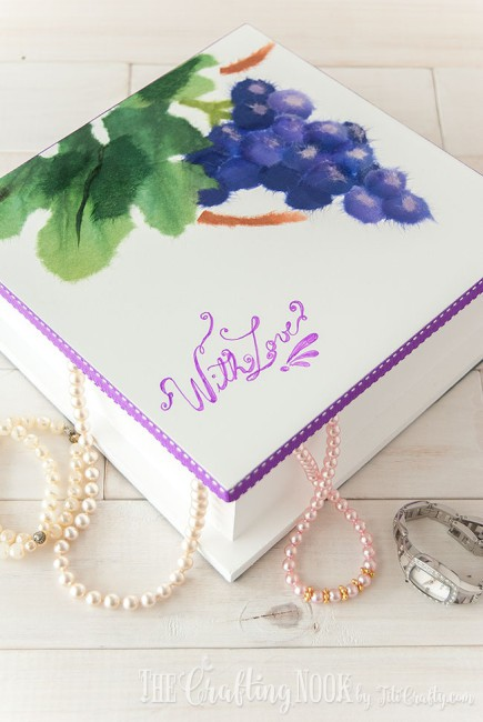 DIY-Painted-Jewelry-Box-BiriBiri