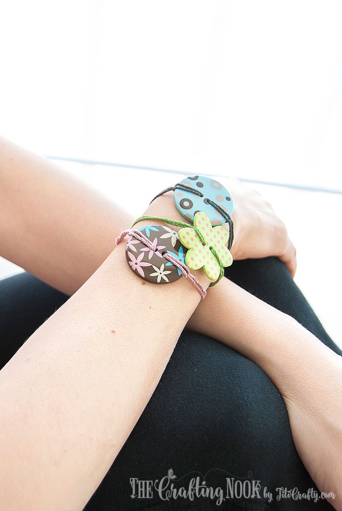 DIY-Easy-Button-Bracelets-Many-Options