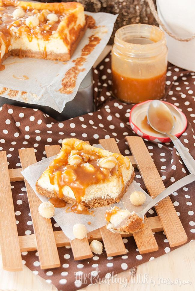 salted-caramel-macadamia-cheesecake-bars-yummy-recipe
