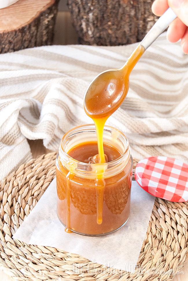 salted-caramel-sauce-diy