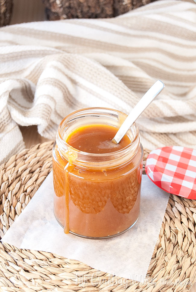 salted-caramel-sauce-homemade