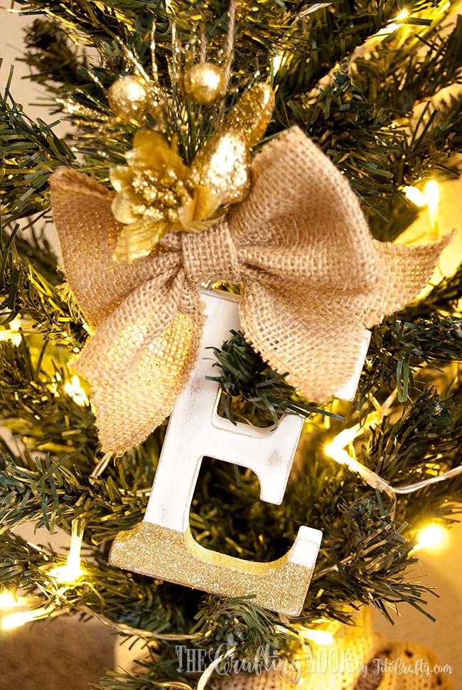 Letter E missletoe for the Rustic Monogram Christmas Ornaments