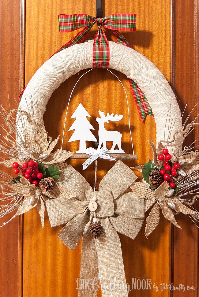 rustic-burlap-christmas-wreath-easy