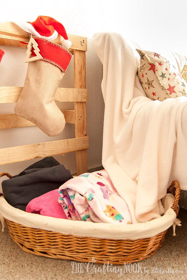 cozy-rustic-christmas-home-tour-2016-blanket-basket