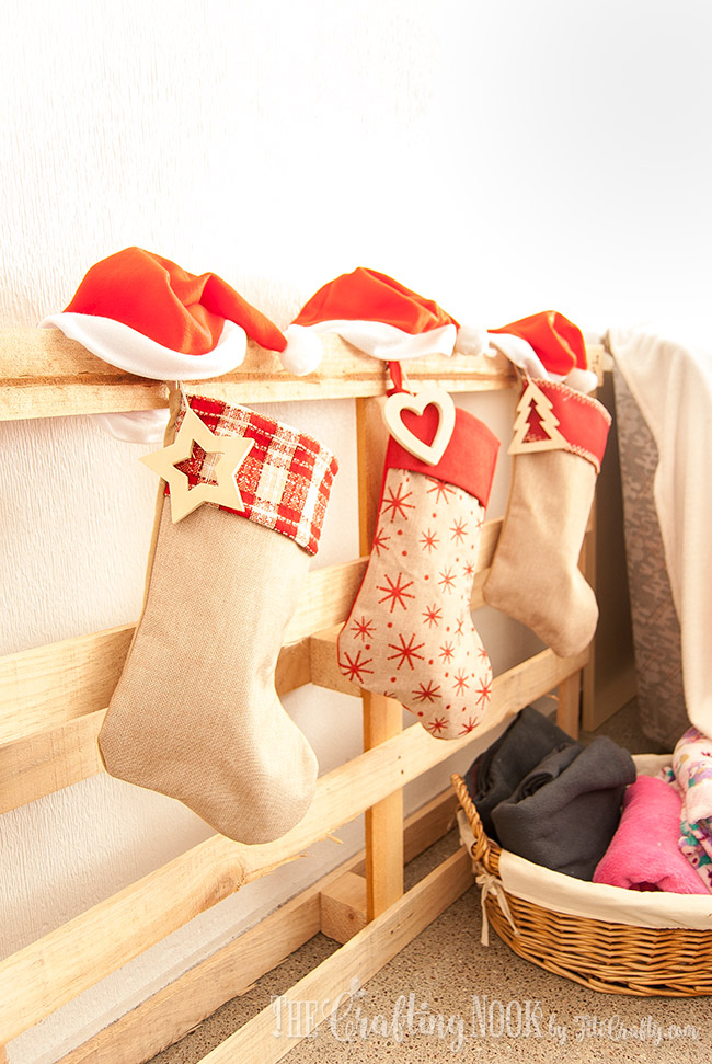 cozy-rustic-christmas-home-tour-2016-stockings