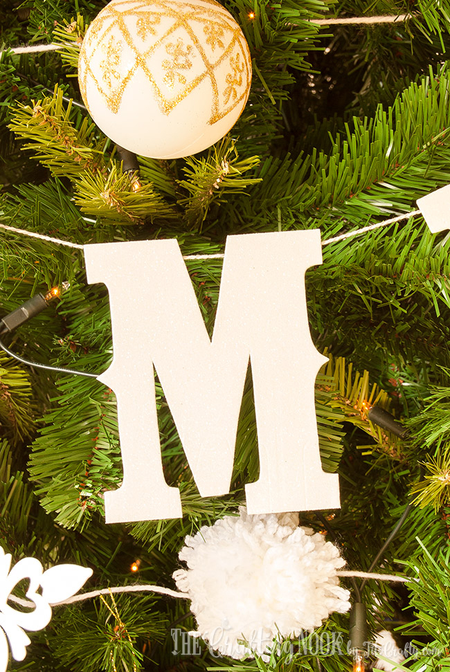 diy-glittered-merry-christmas-banner-craft-foam