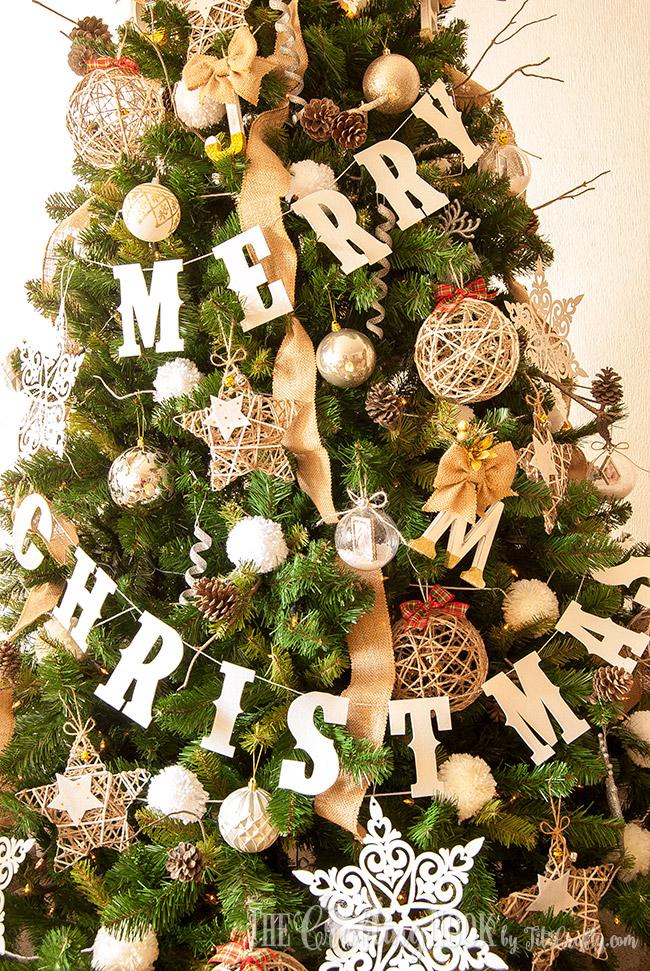 diy-glittered-merry-christmas-banner-fun