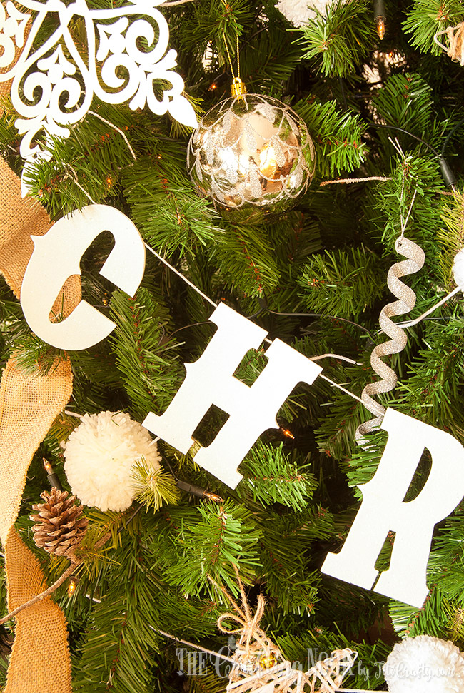 diy-glittered-merry-christmas-banner-hanging