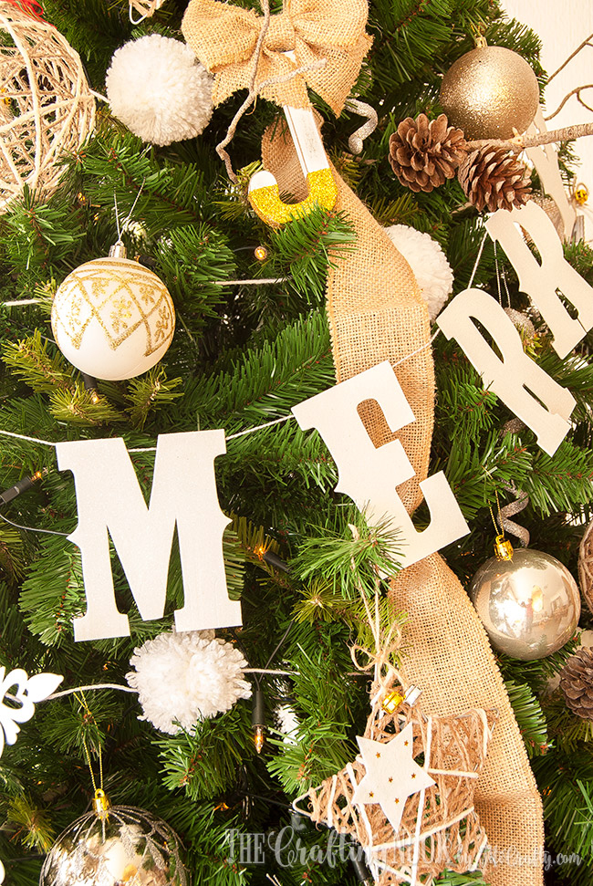 diy-glittered-merry-christmas-banner-pretty