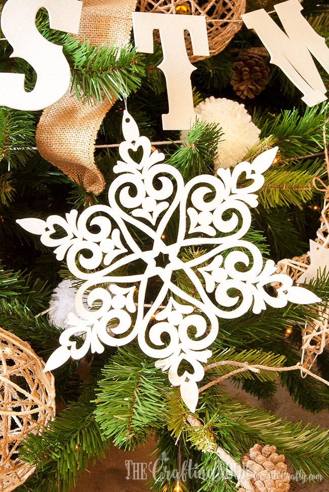 easy-glittered-snowflake-christmas-ornament-tutorial