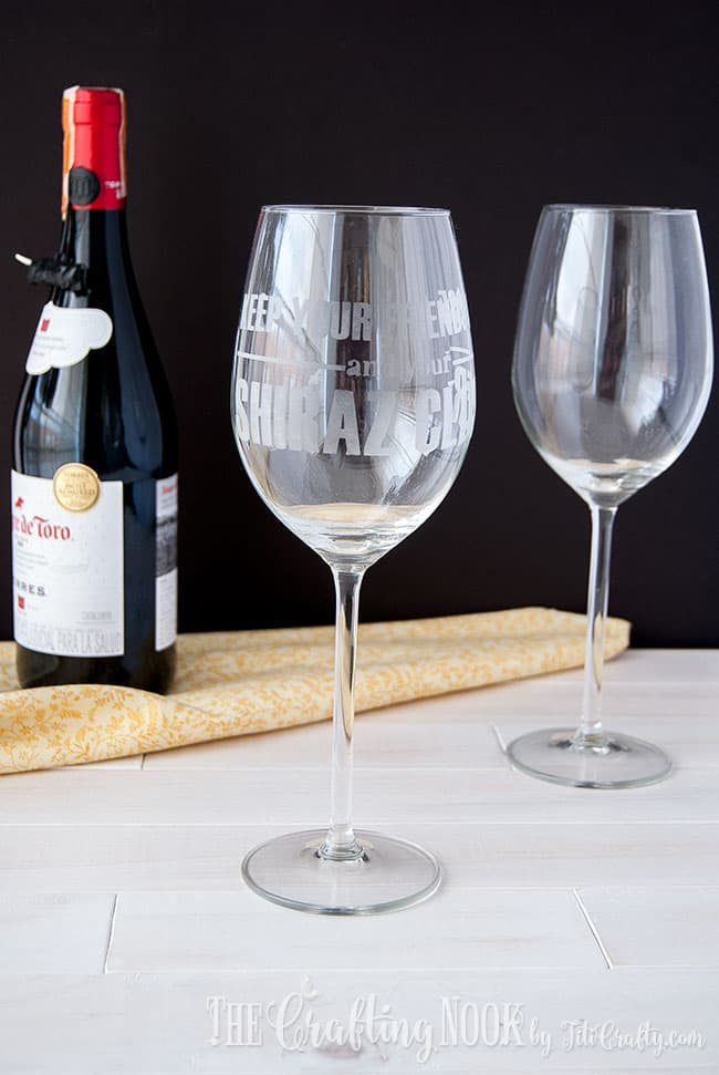 shiraz-etched-wine-glass-fun
