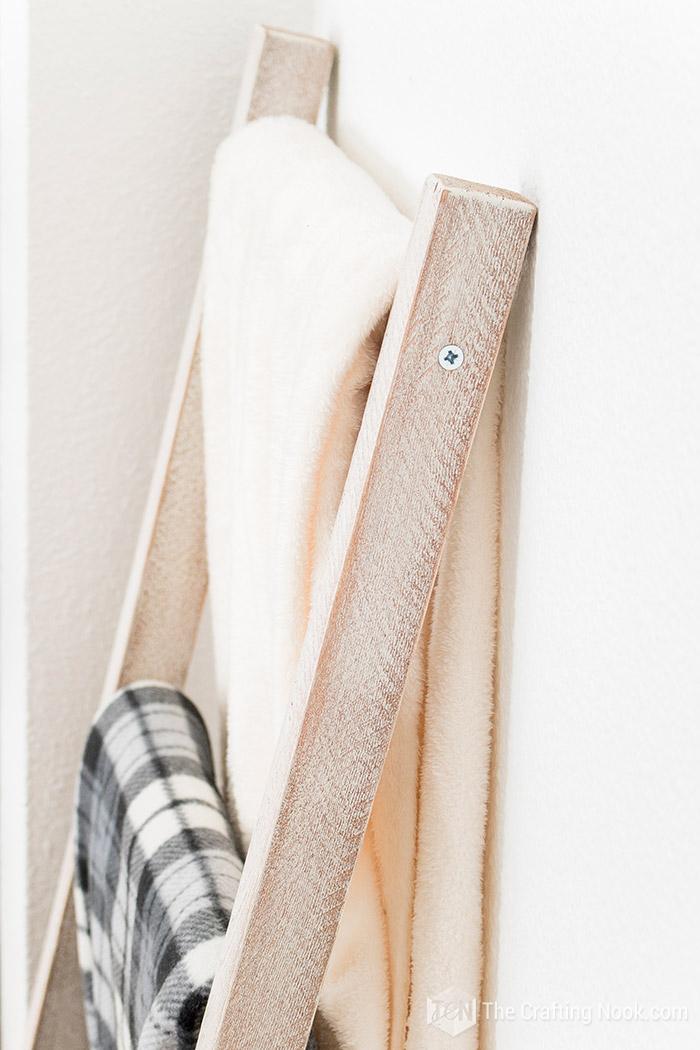 Rustic Blanket Ladder Easy