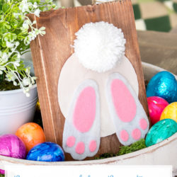 DIY Reversible Rustic Easter Bunny Butt Sign Tutorial