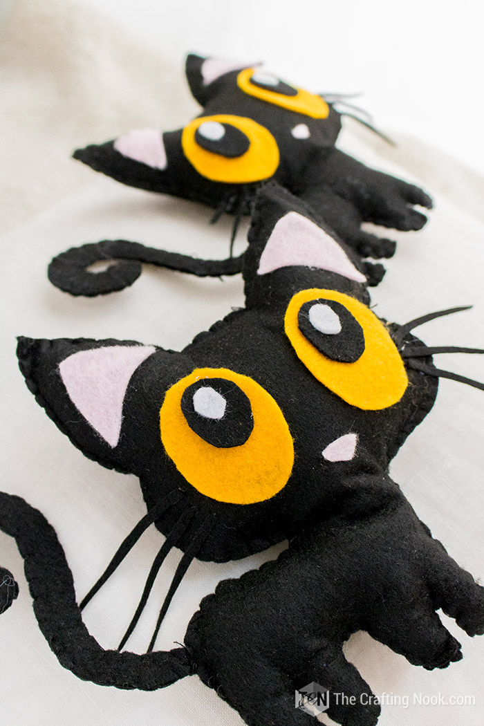 DIY Free Halloween Black Cat Softie Pattern